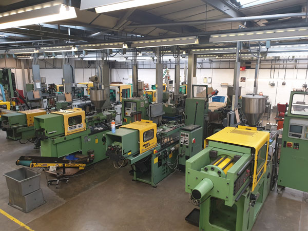 Injection moulding machines on the factory floor